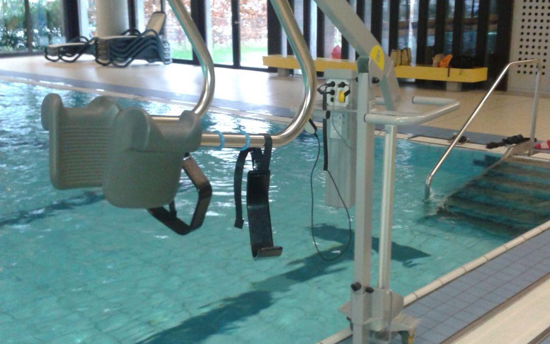 Unbeschwert ins Wasser mit unserem Hallenbadlifter