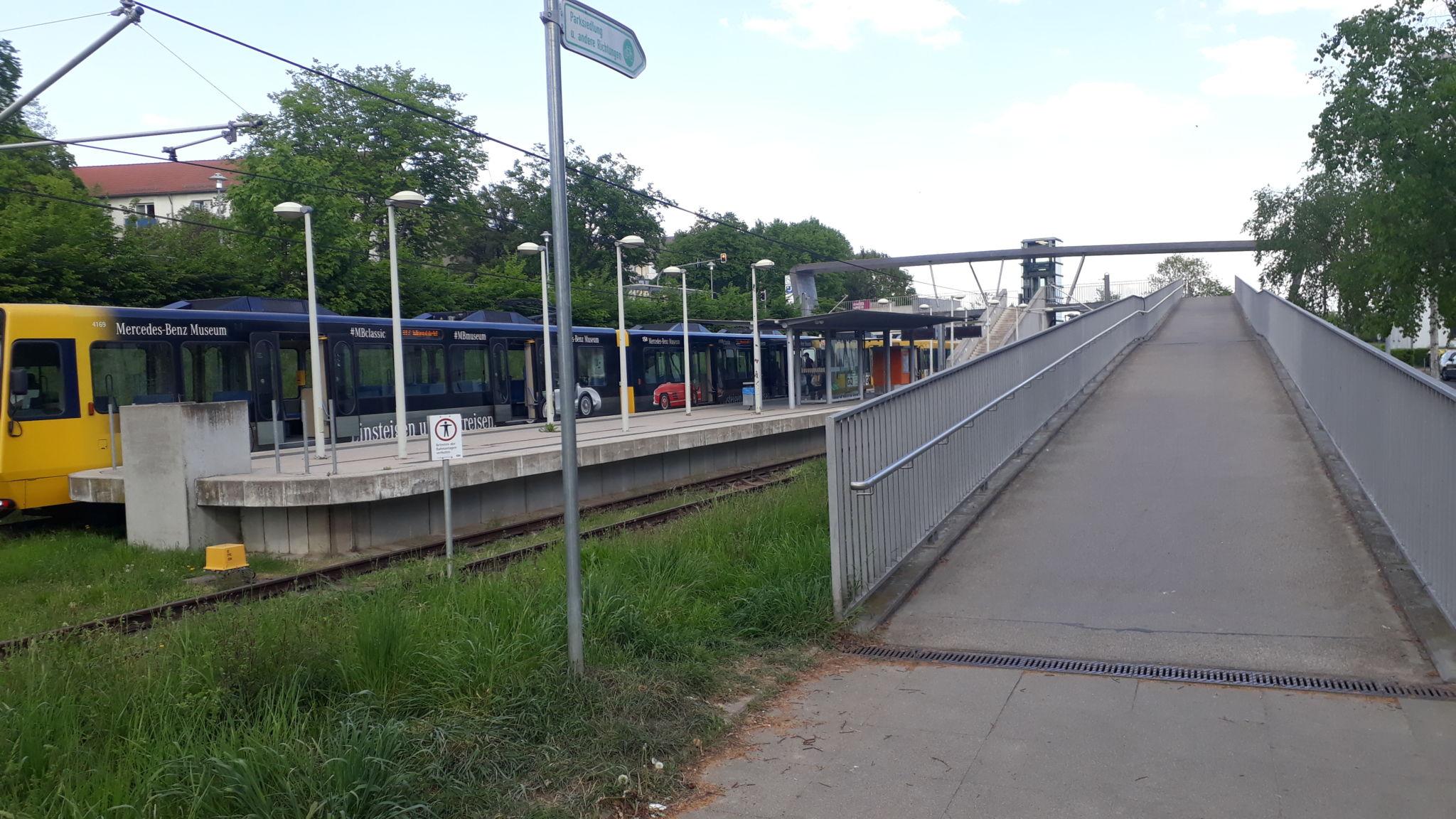 Stadtbahnhaltestelle Parksiedlung U7 / U8, Parksiedlung