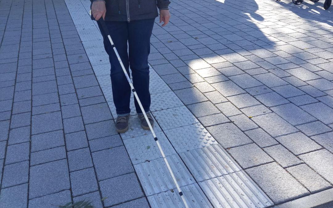 Vielen Menschen ist die Bedeutung und Wichtigkeit der Blindenleitlinien unbekannt.